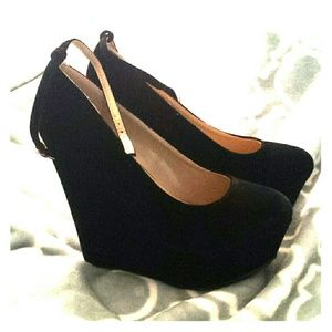Black Wedge Pumps with Ankle Strap sz 8